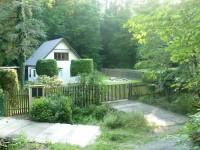 Moderní chata na Křivoklátsku