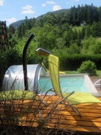 Chata Eliška s bazénem a dětským hřištěm