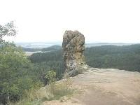 Z Dřevčic k hradu Čap a zpět