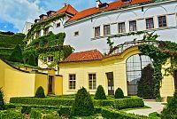 Vrtbovská zahrada s krásným výhledem na Prahu