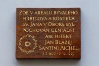 Pamětní deska – architekt Jan Blažej Santini–Ajchl