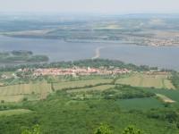 pohled z Děvína na Dolní Věstonice