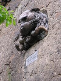 Karlovy Vary - Hlava lvice od Agusta Kisse