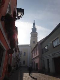 Nový Jičín ulice ke kostelu Nanebevzetí Panny Marie