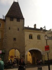 Městská brána...