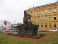 Dvůr Králové nad Labem - námestie Odboje a Václava Hanky