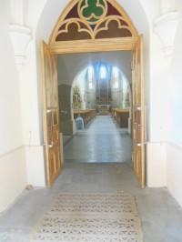 pohľad do kostola