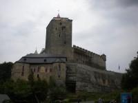 Cesta z hradu Kost na hrad  Valečov.