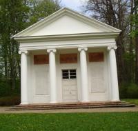 Pavilonek v zámeckém parku