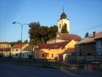 Velká Bystřice-kostel od ZŠ-Foto:Ulrych Mir.