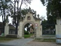 Nové Dvory u Kutné Hory-bývalý dominikánský klášter-vstupní brána-Foto:Ulrych Mir.