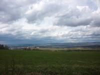 výhled na Sokolov cestou do Hruškové
