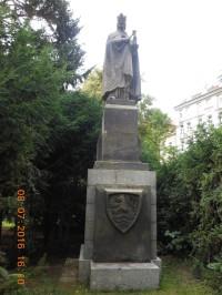 Pomník Karla IV. v Karlových Varech