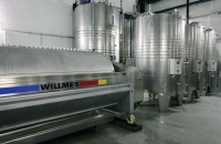 Všechna vína jsou vyráběna moderní technologií řízeného kvašení