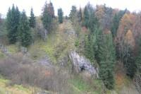Jeskyně Husí díra ve žlíbku Kamenec