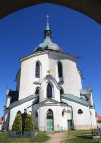 K poutnímu kostelu na Zelené hoře ve Žďáru nad Sázavou