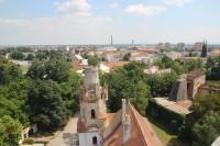 Pohled přes střechy zámku k východu ke Staré Břeclavi