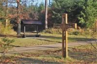 Dřevěný kříž pod Resslovou hájenkou