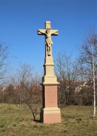 Holasice - kamenný kříž