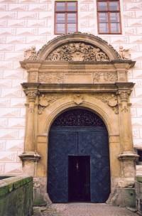 zámek - vstupmí brána