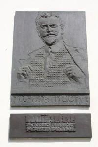Ivančice - památník Alfonse Muchy - pamětní deska