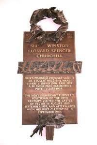 Hrad Veveří - pamětní deska Winstona S. Churchilla