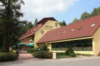 Devět křížů - hotel