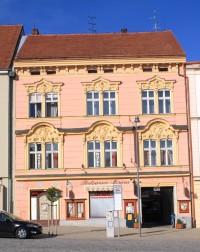 Znojmo - Horní náměstí 16