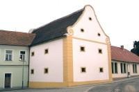Mikulovice - barokní sýpka
