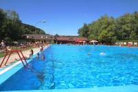 Hlavní velký bazén koupaliště