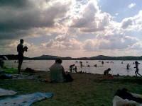 Máchovo jezero - pláž Borný