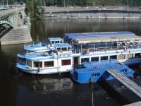 Plavba lodí v Praze po Vltavě