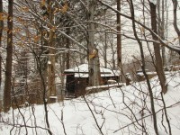 schovaná bouda