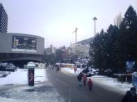 Karlovy Vary - pohled na prostranství před hotelem Thermal