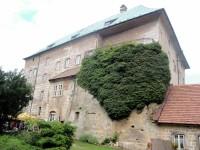 Neodhalené tajemství hradu Housky
