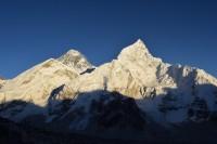 Západ slunce na Mount Everestu.
