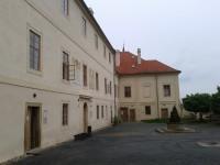Hrad a zámek Nižbor