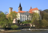 Sázavský klášter od řeky