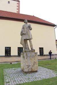 Dobruška, socha F. L. Věka