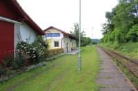 Neznášovy, železniční zastávka