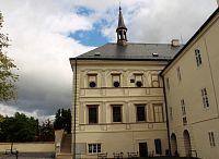 Zámecká kaple pohled z nádvoří
