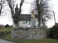 Dlouhá Ves, kostel s pomníkem