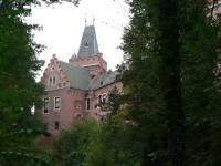 Červený Hrádek, věž nad vstupní bránou