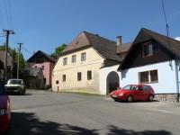 Hartmanice, domy na náměstí