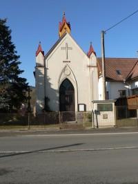 Vrhaveč, průčelí kaple