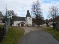 Nicov, náves a kostel od jihu