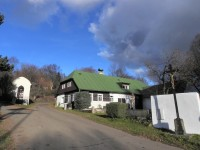 Nicov, kaple a roubenka