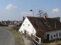 Frymburk, dům pod hrází rybníka