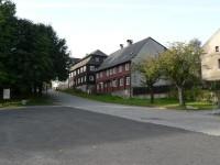 Jiřetín pod Jedlovou, domy při cestě na Křížovou horu