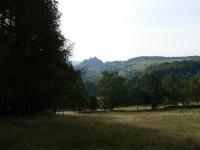 Křížová hora, pohled na hrad Tolštejn